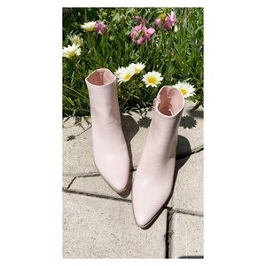 SALE 🔥 Lulu's x Matisse Embossed Ankle Boots